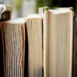 gros plan de pages de livres